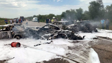 На дороге в Саратов в ДТП дотла сгорели четыре автомобиля