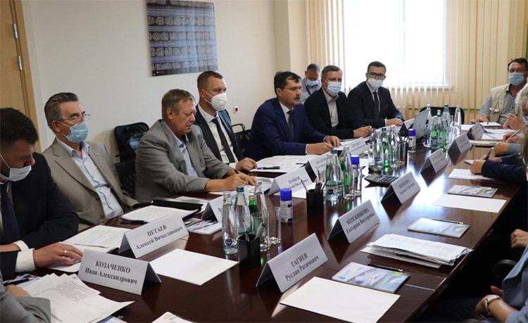 Панков поговорил с Советом директоров Балаковского района