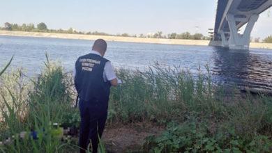 В Балаково вытащили из воды тело женщины, упавшей с моста Победы