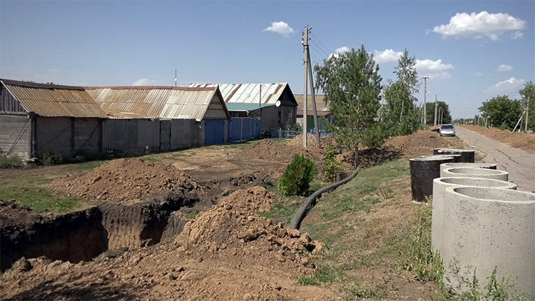 В селе Хлебновка завершается строительство водопровода