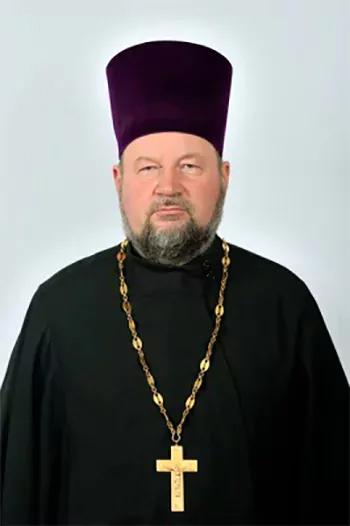 Для чего рождаются грешники и теряет ли молитва матерщинника силу? Мнение священника из Балаково